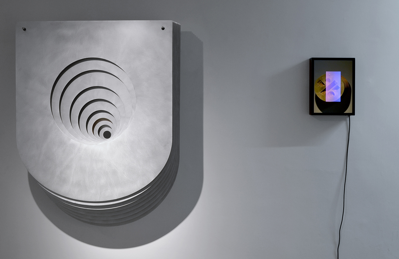 Benjamin Ossa / Javier Toro Blum, Benjamin Ossa, Tout ce qui est droit ment, exhibition view, May 2017