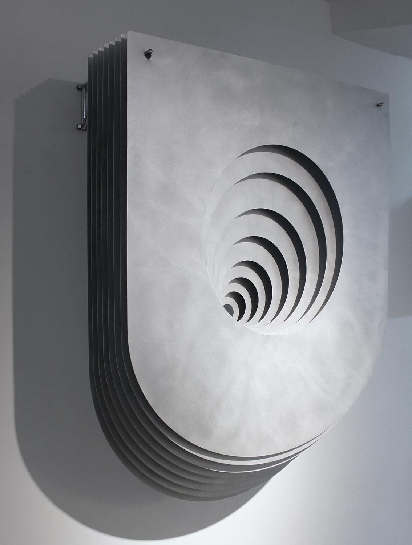 Benjamin Ossa / El hondo pesar del ser tiene una forma circular de ser, 2017, aluminium and steel, 145 x 105 x 45 cm