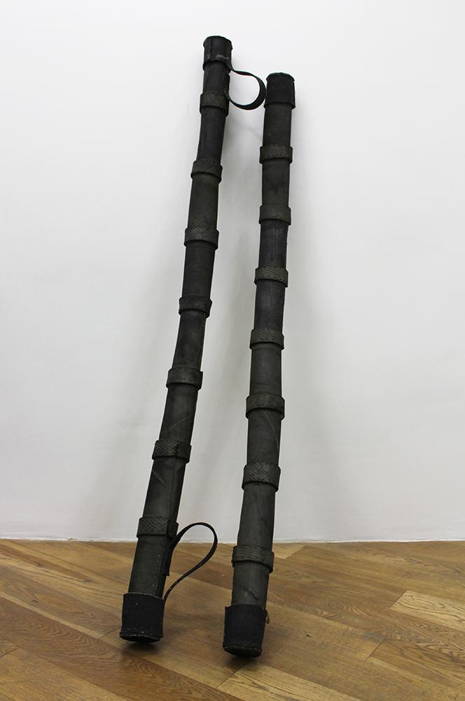 Outils des Meeps, 1994-1995 Pneumatique, Dimensions variables Série des Outils des Meeps (1994-1995)