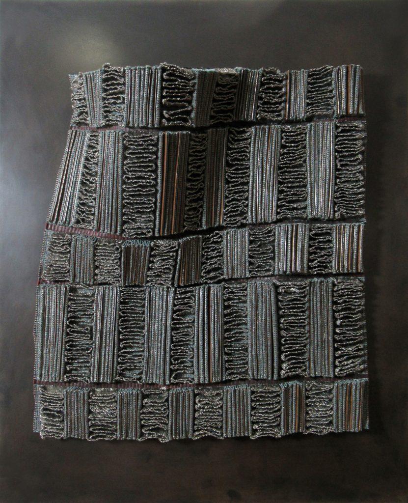 Angélique Chesnesec, <em>Radiateur_1</em>, 2018, acier, laine, cuir, cuivre, aimants, 52 x 43 x 4 cm