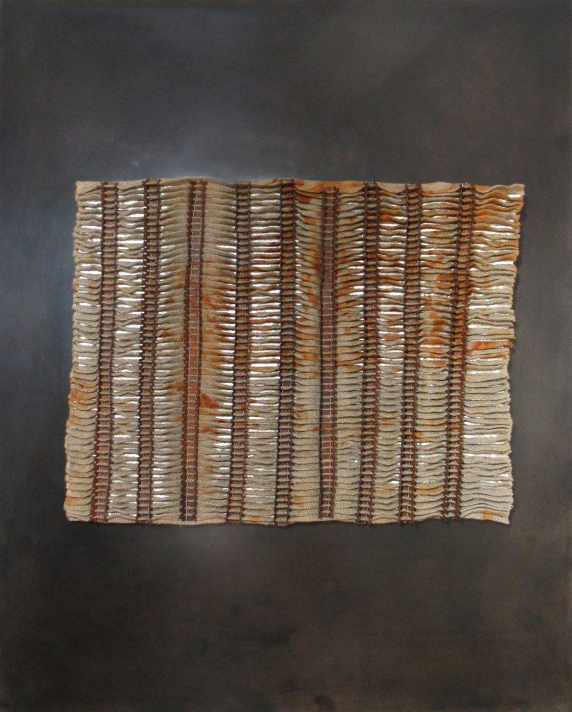 Angélique CHESNESEC, <em>Radiateur_3</em>, 2018, acier, lin, argent, aimants, 52 x 43 x 4 cm